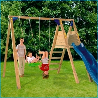 Vaikų žaidimų aikštelės. Supynės su čiuožykla